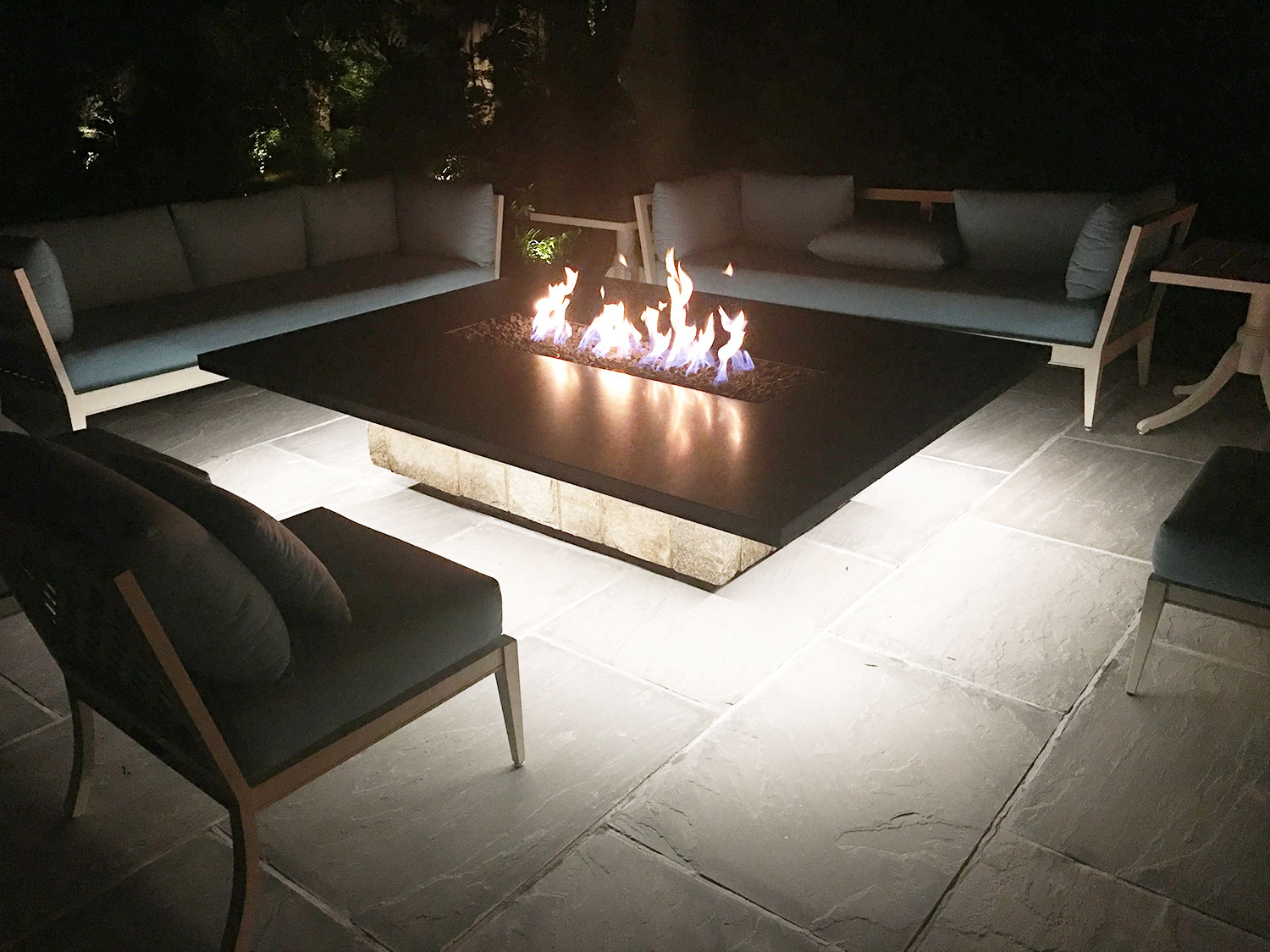 Outdoor living, fire pit, masonry